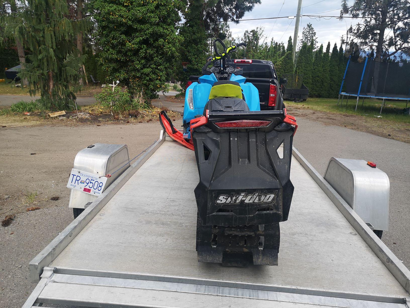 2018 Skidoo Summit 850X 175ETEC Located in Kelowna